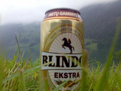 Atidirbam rėmėjams - ekskliuzyvinė Blindos Ekstra skardinė Wagitaler See ežero - šveicariškos jūros fone (Glarus kantonas)